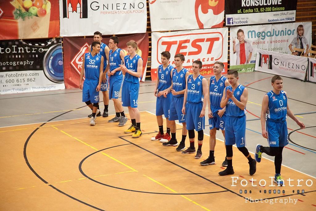 2017_11_18 Sklep Polski MKK Gniezno - Biofarm Basket Suchy Las