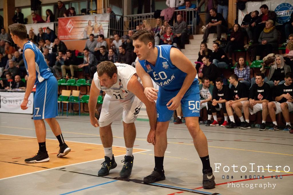 2017_11_18 Sklep Polski MKK Gniezno - Biofarm Basket Suchy Las _27