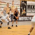 2017_12_09 MKK Gniezno - Domino Inowrocław mikolajki z koszykowka_93